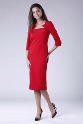 Czerwona elegancka dopasowana sukienka za kolano z dekoltem caro