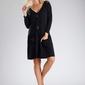 Czarna sukienka o luźnym fasonie zapinana na guziki