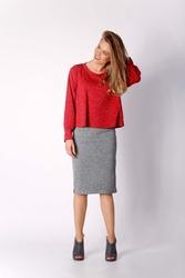 Czerwona krótka dzianinowa bluzka
