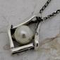 Medina - srebrny wisiorek z perłami