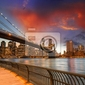 Fototapeta brooklyn bridge park, nowy jork. spektakularny widok słońca