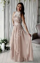 Beżowa długa suknia wieczorowa z kwiatami 3d
