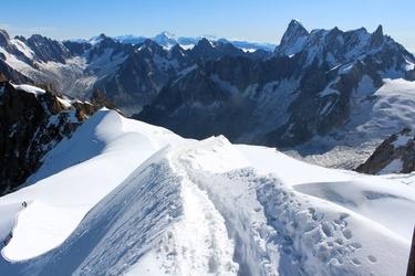 Fototapeta ośnieżone wysokie góry fp 1676