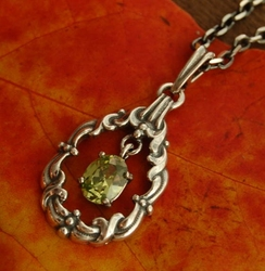 FILIPPA - srebrny wisiorek wisiorek z oliwinem