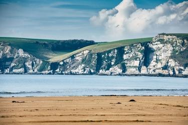 Kingsbridge cliffs - plakat premium wymiar do wyboru: 100x70 cm