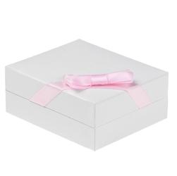 Srebrny krzyżyk próba 925 grawer - różowy dziewczynka
