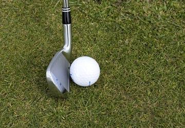 Fototapeta kij do golfa z piłką fp 1216
