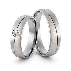 Obrączki ślubne z białego złota niklowego z sercem i brylantami - Au-971