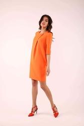 Pomarańczowa prosta sukienka z ozdobną zakładką