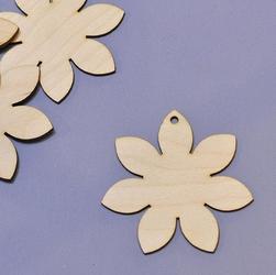 Drewniany kwiatek - zawieszka 8 cm - 02