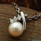 Pawia - srebrny wisiorek perła i kryształy
