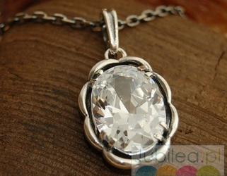 Aja - srebrny wisiorek z kryształkami
