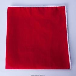 Czerwona poszetka z białą obwódką