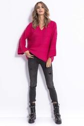 Różowy lekki oversizowy sweter z rozszerzanymi rękawami