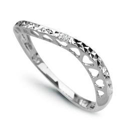 Staviori pierścionek. 1 diament, szlif achtkant, masa 0,007 ct., barwa h, czystość i1. białe złoto 0,585. szerokość 2,5 mm. grubość 3 mm.