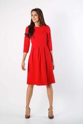 Czerwona rozkloszowana sukienka z wywijanym kołnierzem