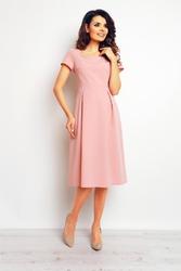 Różowa wizytowa sukienka midi z krótkim rękawem