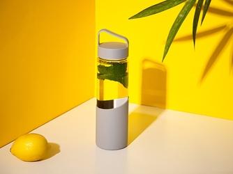 Bidon  butelka na wodę szklana w silikonowej osłonie altom design 550 ml szara