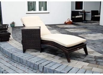 Leżak ogrodowy na kółkach Turkin II technorattan brązowy
