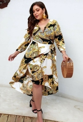 Sukienka plus size z łańcuszkami i ornamentami