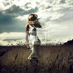 Obraz skocz kobiet w pole pszenicy