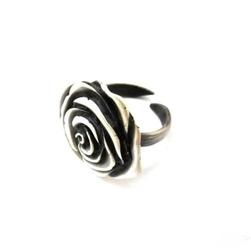 Pierścionek srebrny regulowany-czarna róża duża
