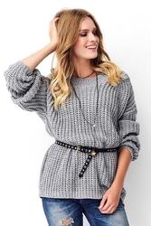 Szary oversizowy sweter wykonany angielskim ściegiem