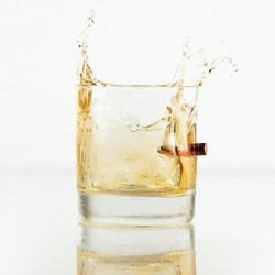Kuloodporna szklanka do whisky