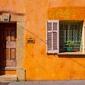 Białe okiennice - plakat premium wymiar do wyboru: 42x29,7 cm