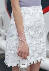 Biała letnia spódnica z gipiurowej koronki