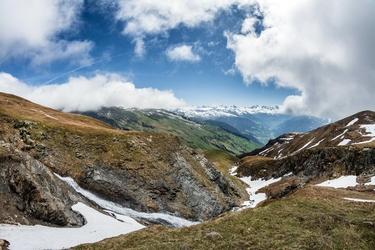 Fototapeta topniejący górski śnieg fp 1615