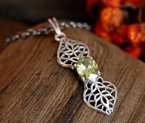 VONDA - srebrny wisiorek z oliwinem