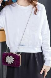 Torebka z broszką, celebrity style - w pięknym śliwkowym kolorze