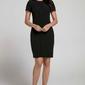 Czarna stylowa dopasowana sukienka z pionową plisą na przodzie