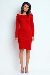 Czerwona wyjściowa sukienka ze zmysłowym dekoltem