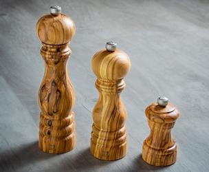 Młynek do pieprzu z drewna oliwnego 18 cm peugeot paris olivier pg-38199
