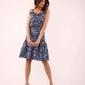 niebieska wzorzysta sukienka na cienkich ramiączkach z falbankami