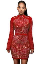Czerwona sukienka z wzorami , pikowana