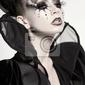 Fototapeta piękny model stwarzające jako królowa szachy - fantasy make-up