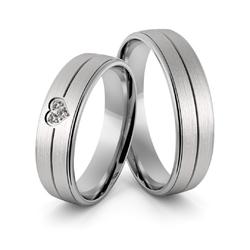 Obrączki ślubne z białego złota niklowego z sercem i brylantami - au-964