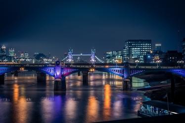Fototapeta na ścianę most oświetlony kolorowym światłem  fp 4618