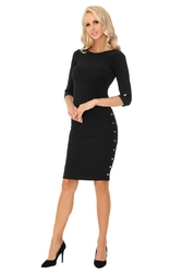Czarna ołówkowa midi sukienka z ozdobnymi guzikami