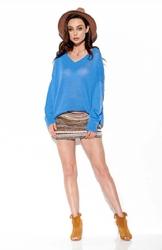 Niebieski lekki oversizowy sweter z dekoltem v
