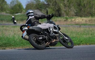 Doskonalenie techniki jazdy motocyklem na torze w polsce - bydgoszcz