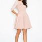 Różowa rozszerzana sukienka w wytłaczany wzór
