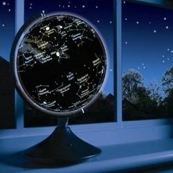 Globus ziemi i konstelacji