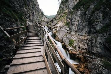 Fototapeta na ścianę ścieżka drewniana prowadząca na szczyt góry fp 2059