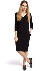 Prosta dłuższa sukienka z dekoltem w serek czarna m371