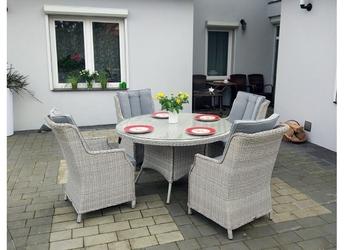 Zestaw mebli ogrodowych gabi stół + 4 fotele jasnoszary technorattan