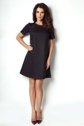 Czarna sukienka rozkloszowana klasyczna
